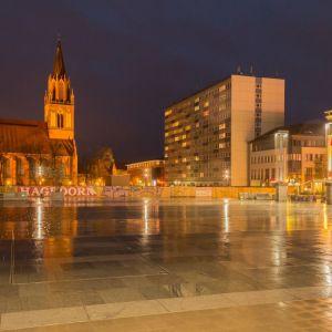 2017 04 Uwe Quicker - Regen Marktplatz